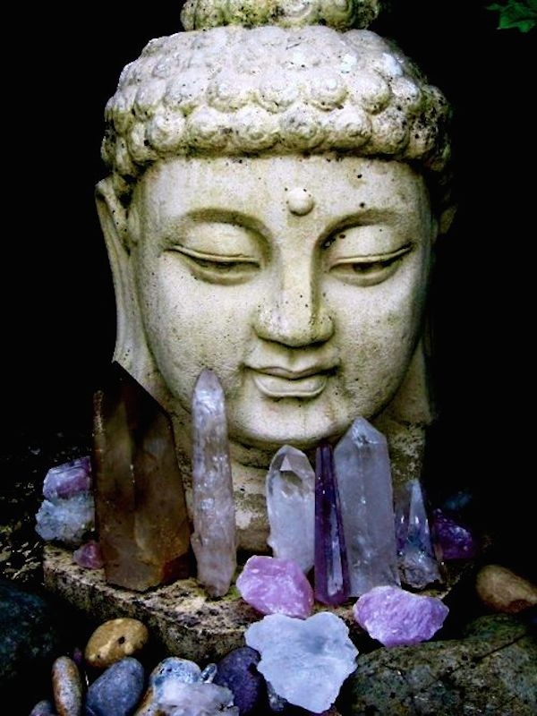 buddha-crystal-meditation-room