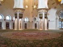Największy dywan świata w jednym z największych meczetów