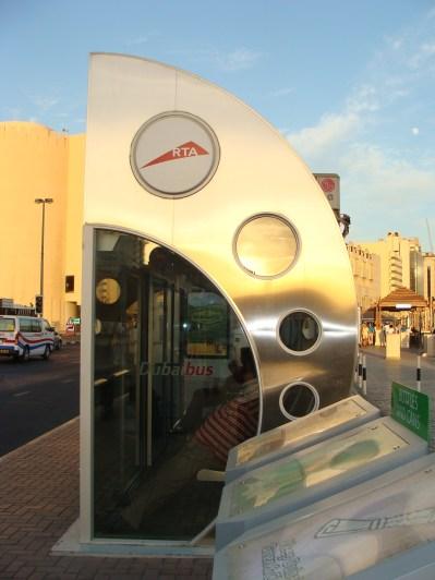 Klimatyzowany przystanek autobusowy