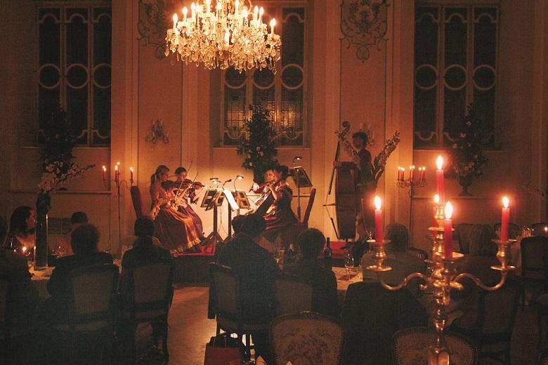 Barocksaal des Stiftskeller St. Peter in Salzburg