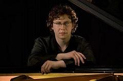 Luca Toncian, Klavier