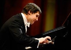 Solist am Piano Vadym Kholodenko