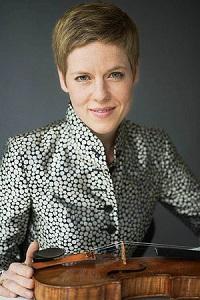 Enge Beziehung zum Instrument Isabelle Faust Foto Detlev Schneider
