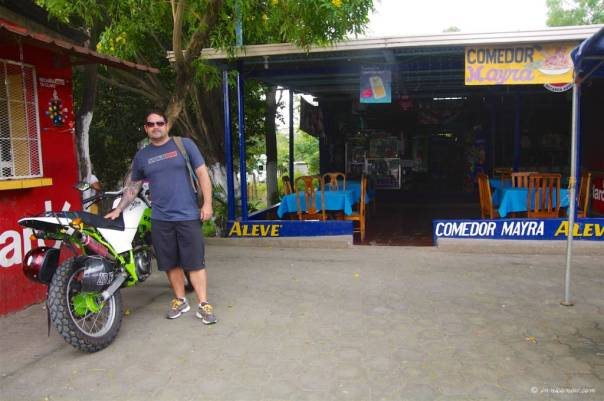 Toña stop at the Frontera