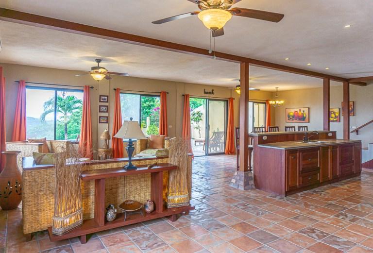 Casa Vista Mar living room & kitchen