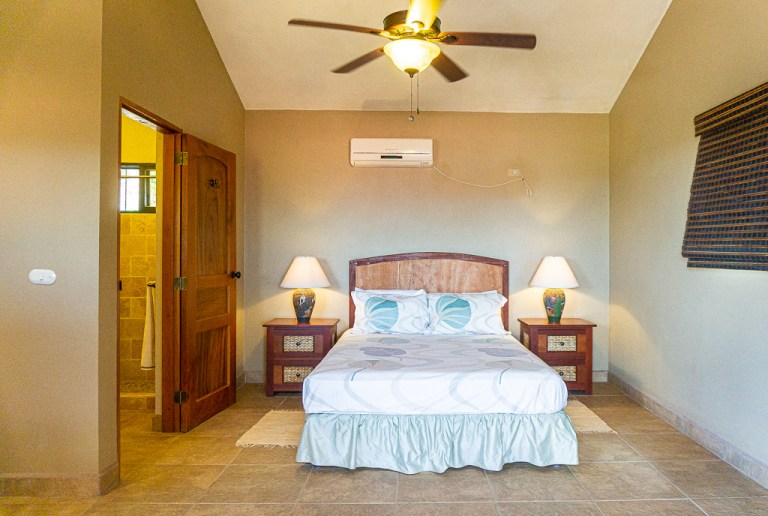 Queen Suite with attached bathroom: Casa Vista Mar, San Juan del Sur, Nicaragua