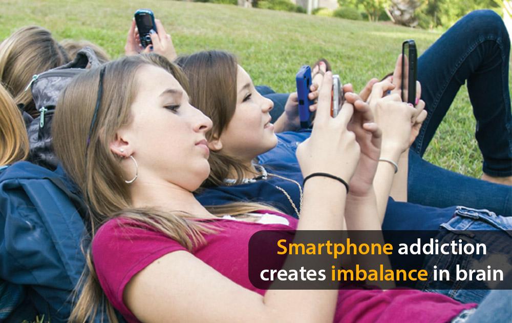 Smartphone-addiction-creates-imbalance-in-brain
