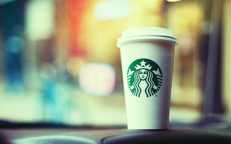 starbucks-cup-on-table-red-online-2