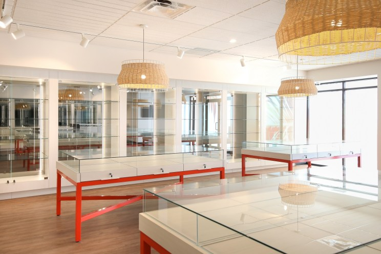 New Retail Construction - Wall Displays and Glass Tables