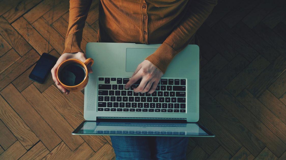 Trabajar desde casa e1553132743565 - 9 Claves para ser un Freelance Exitoso