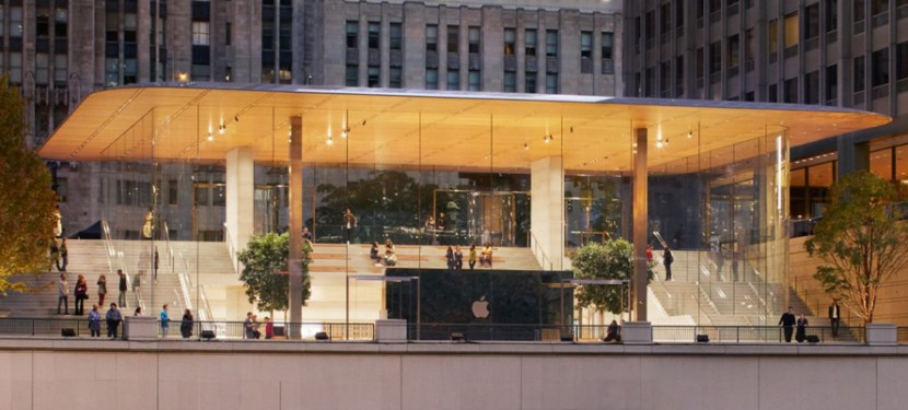 Apple Chicago Store.jpg
