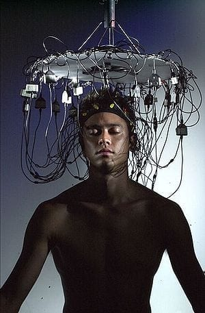 300px-Musical_brainwave_performance_at_deconism_gallery