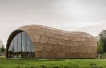 Robots help create ultra-thin wooden exhibition hall