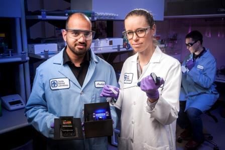 A $100 smartphone-controlled diagnostic device can detect Zika, dengue and chikungunya within 30 minutes