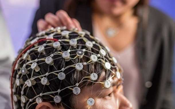 Restoring brain waves and improving depression symptoms with brain stimulation