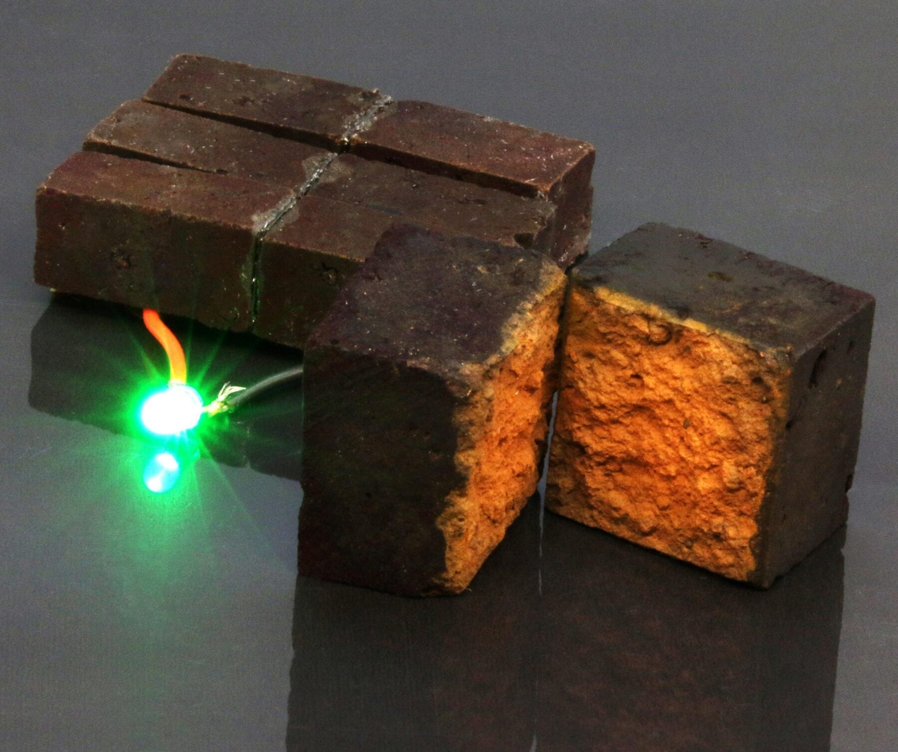 """Chemists in Arts & Sciences have developed a method to make or modify """"smart bricks"""" that can store energy until required for powering devices. (Image: D'Arcy laboratory)"""