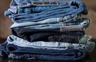 An eco-friendly way to dye blue jeans