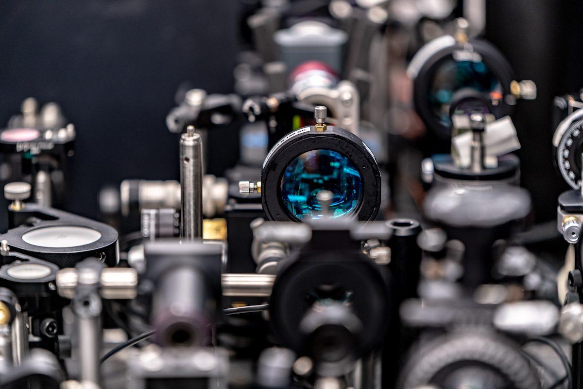 Hybrid Photonics Labs at Skoltech