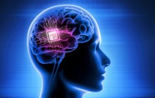 A brain chip implant allows for measuring neuronal activity in real time while simultaneously delivering drugs to the implant site