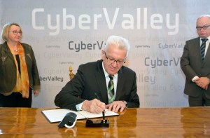 Ministerpräsident Kretschmann bei Cyber Valley Startschuss (Quelle: Staatsministerium BW)