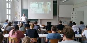 Sven Tippelt, CTO von Adam Riese, an der HFT Stuttgart
