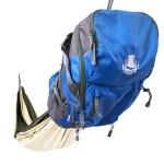 Ce sac à dos Hacked Pack est groupé avec un hamac = groupement de 2 objets proches dans l'usage de la randonnée.