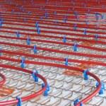 Chauffage dans le sol : le radiateur est intégré dans le sol et répartit sur toute la surface.