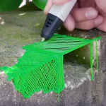 Le stylo 3D = le concept de l'imprimante 3D à fil duquel a été extrait la fonction utile pour générer un fil fondu.