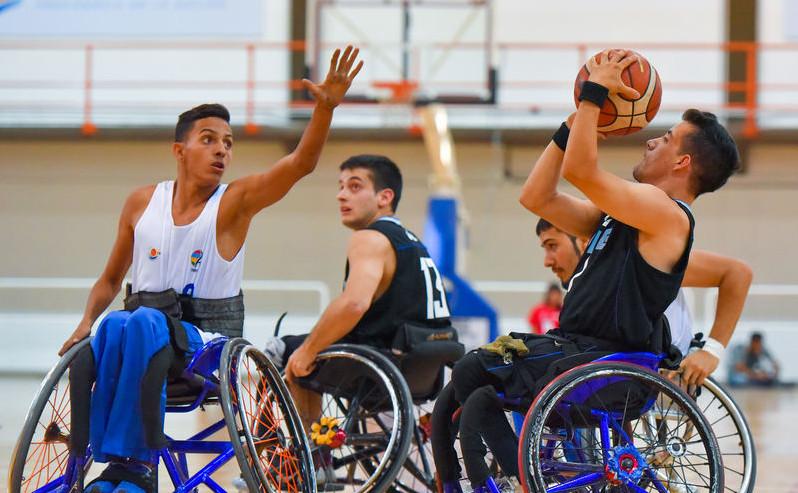 L'évolution technique du fauteuil roulant de sport : histoire d'innovation