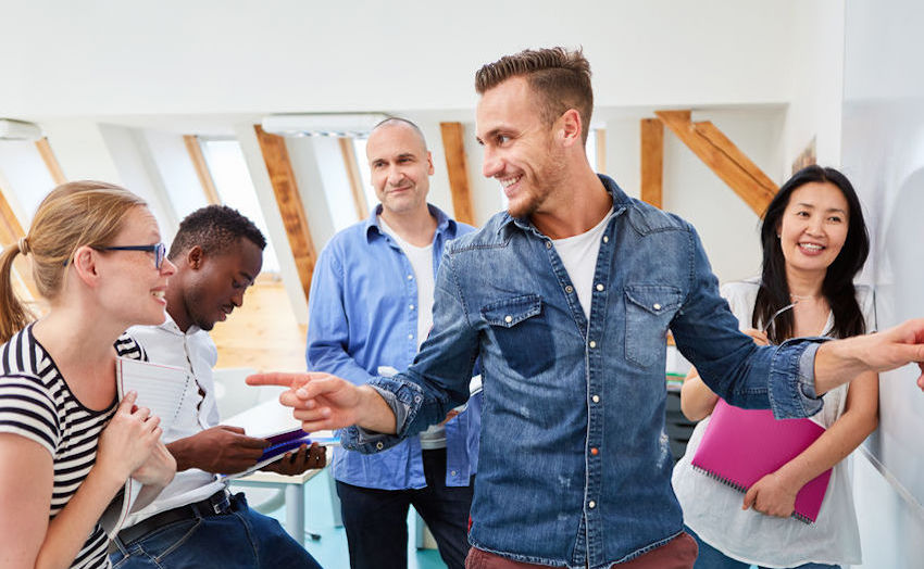 Icebreaker en réunion : 10 façons de commencer un atelier