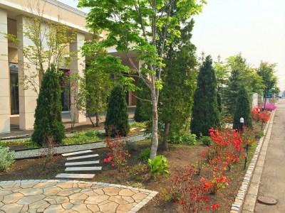 メモリアルホール前庭
