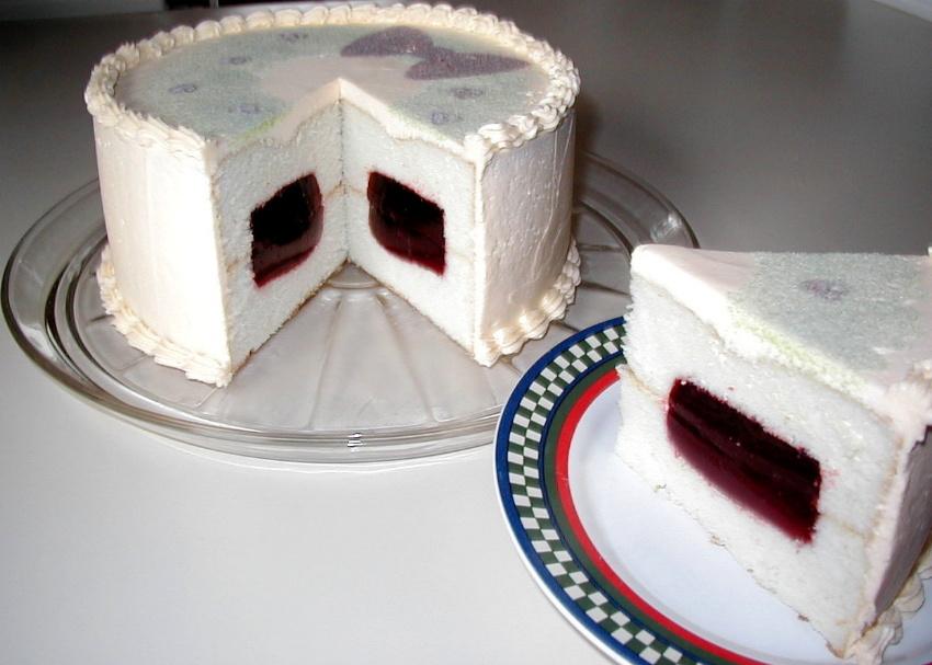 Gelatin Filled Cake