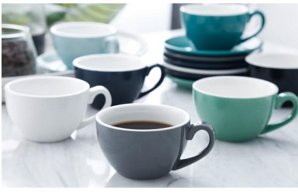 однотонный набор чашек и кружек для кофе