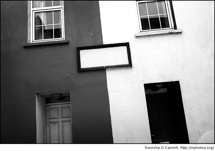 Black and White in Kinsale