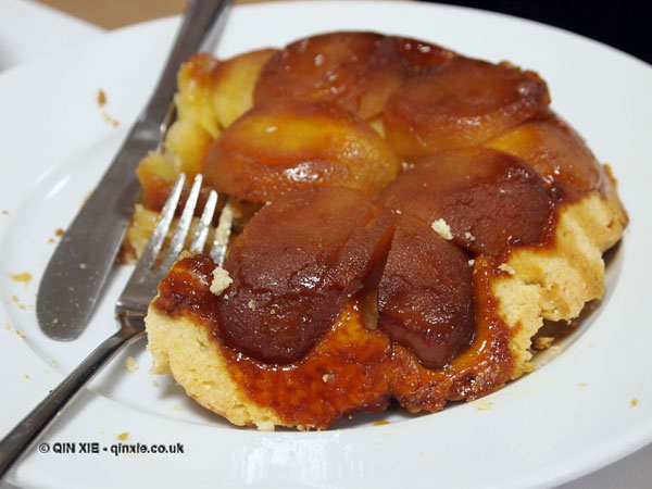 Tarte tatin, dessert and wine matching at Leiths School of Food and Wine