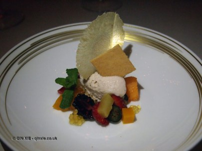 Sorbet and fruit at Apsley's, The Lanesborough Hotel