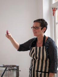 Demonstrating setness test, jam making with Vivien Lloyd