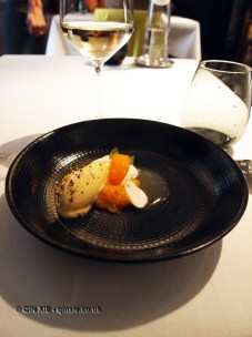 Apricot texture with compote, fruit, cream and gel, Vrijmoed, Ghent