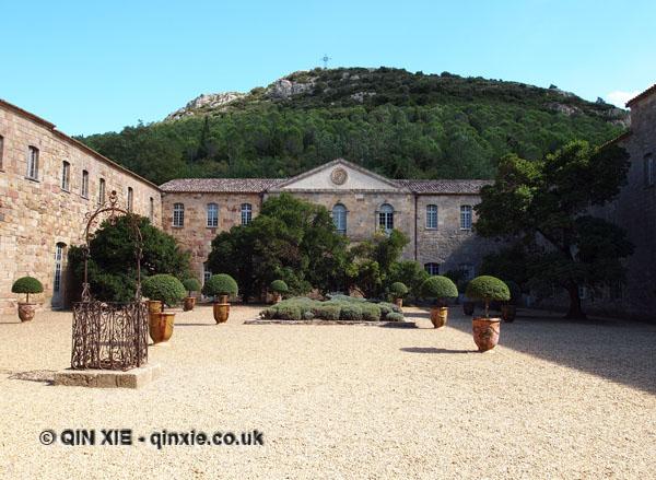 Courtyard, Abbaye de Fontfroide, Narbonne