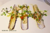 Navajas al vapor con vinagreta de verduras y un toque picante (razor clams steamed with vegetables vinaigrette and a spicy touch), Submarino, Valencia