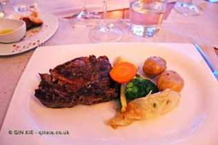 Steak and vegetables, Vinum, Oporto