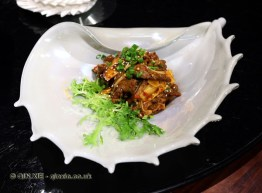 Crispy crescent ribs, Kuan Alley No 3, Chengdu, China