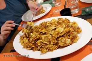 Ravioli with tuccu (meat and tomato sauce), Ristorante Il Genovese, Liguria