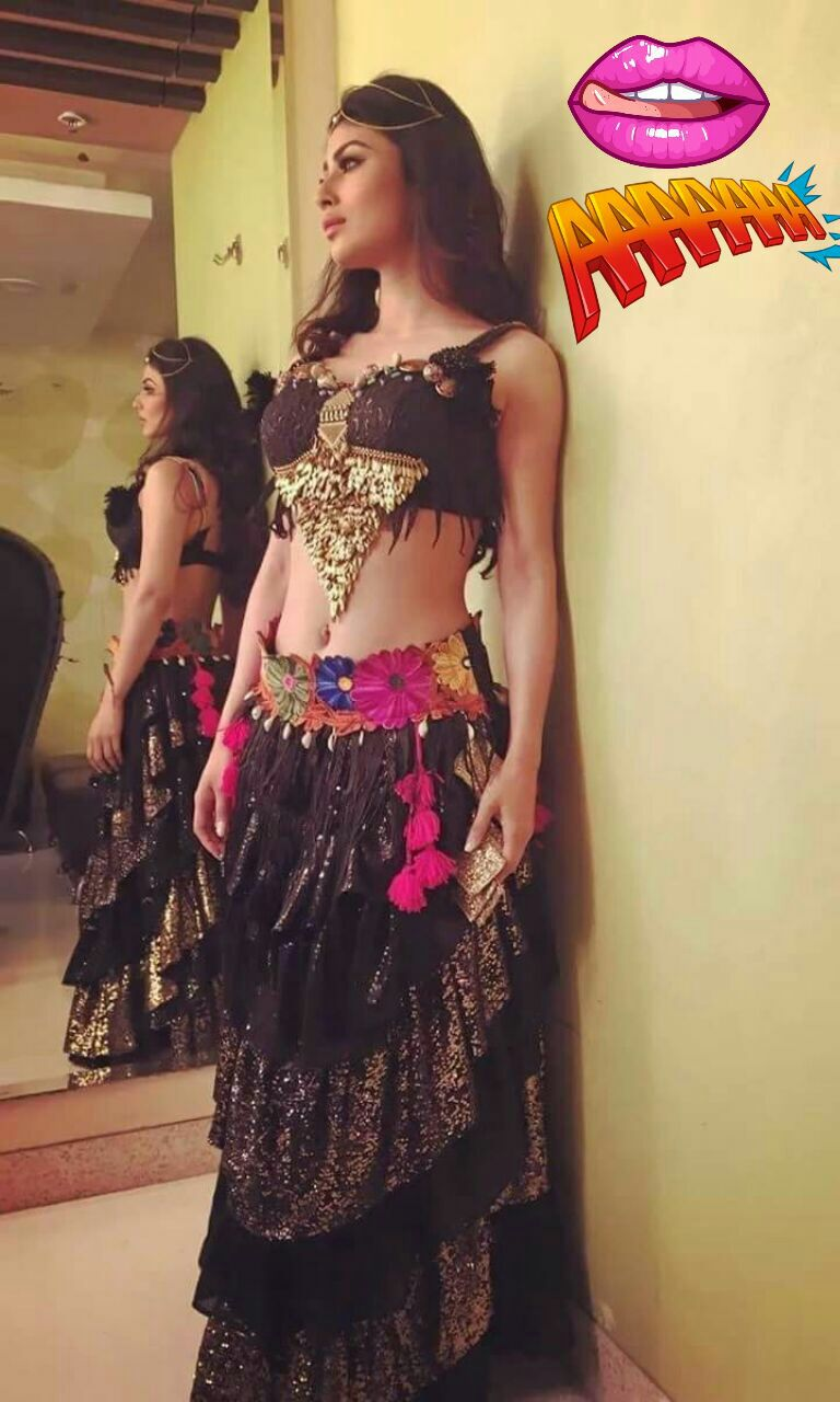 hot and unseen photos of Mouni Roy 1