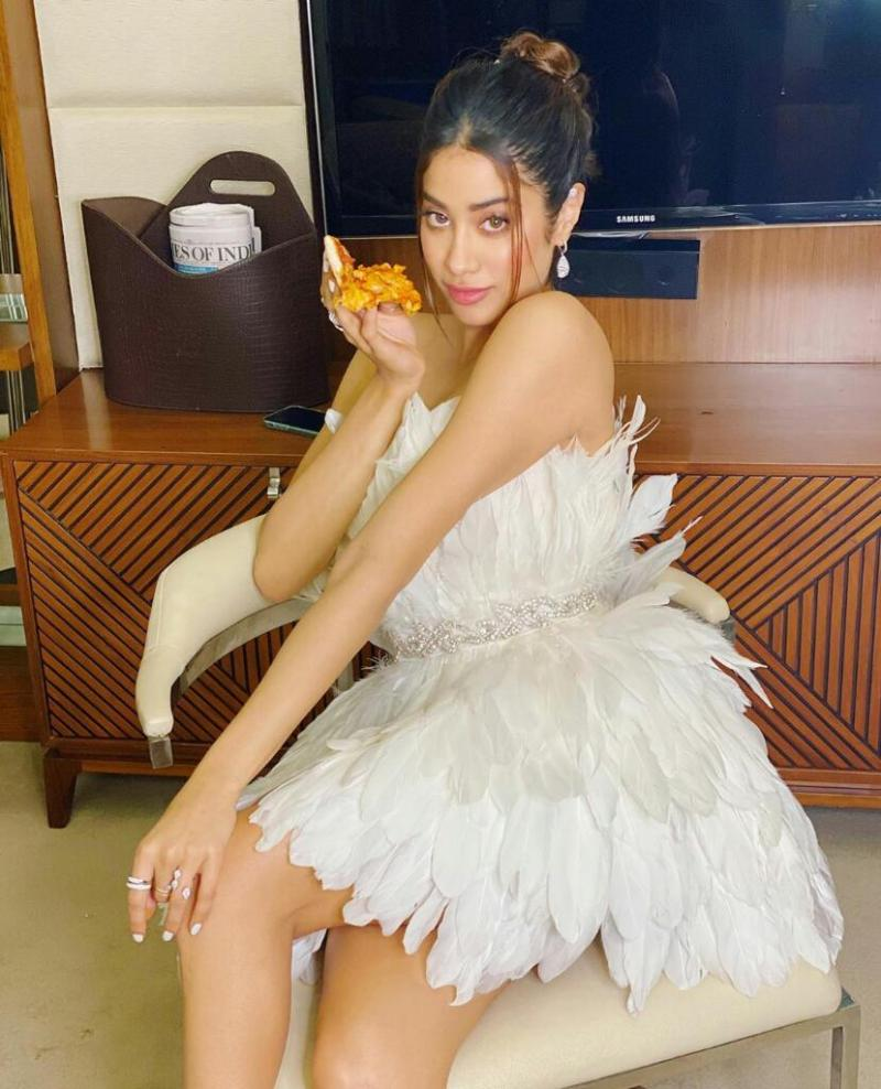 Janhvi Kapoor Flaunts in her white feather dress