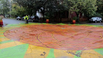 sunnyside-piazza-intersection-painting