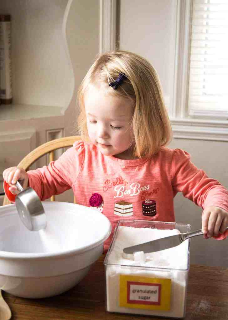 Baking with Toddlers_Clara