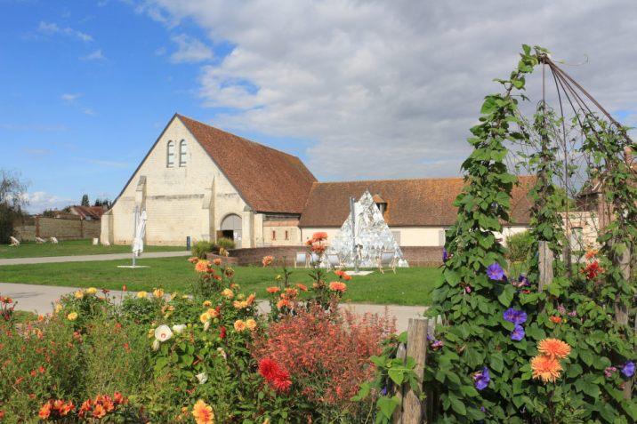 La grange de la Maladrerie accueille aujourd'hui des spectacles.