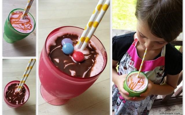 Chocolate Covered Strawberry Milkshake { Recipe }