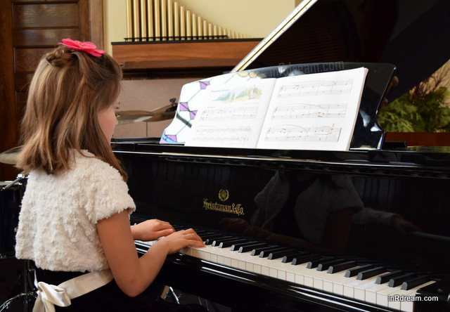 inRdream.com Piano Recital Nikon Mom Nikon Moments Mom Nikon D3300